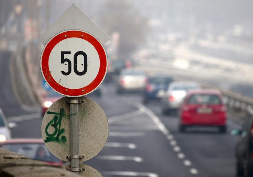 сейчас пункт пдд превышение скорости на 20 км недоверчиво смотрел